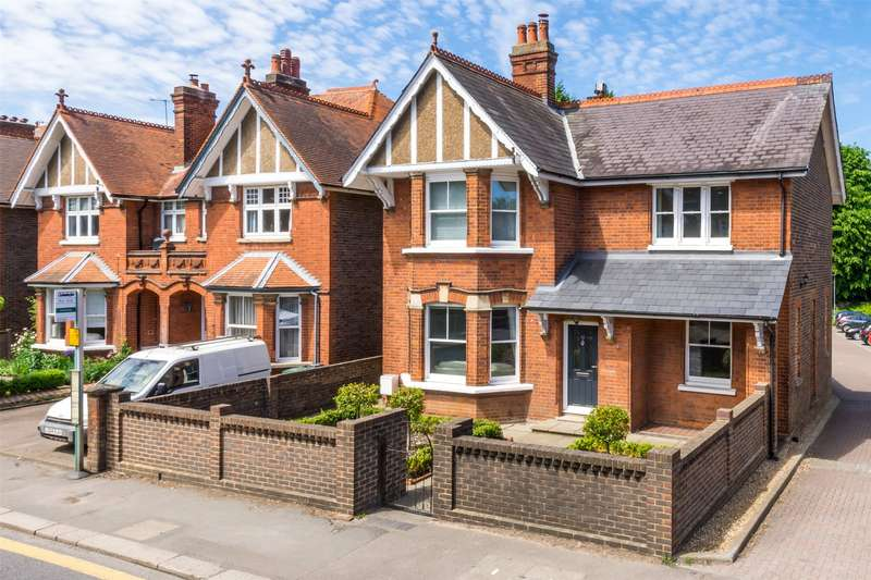 4 Bedrooms Detached House for sale in Blackborough Road, Reigate, Surrey, RH2