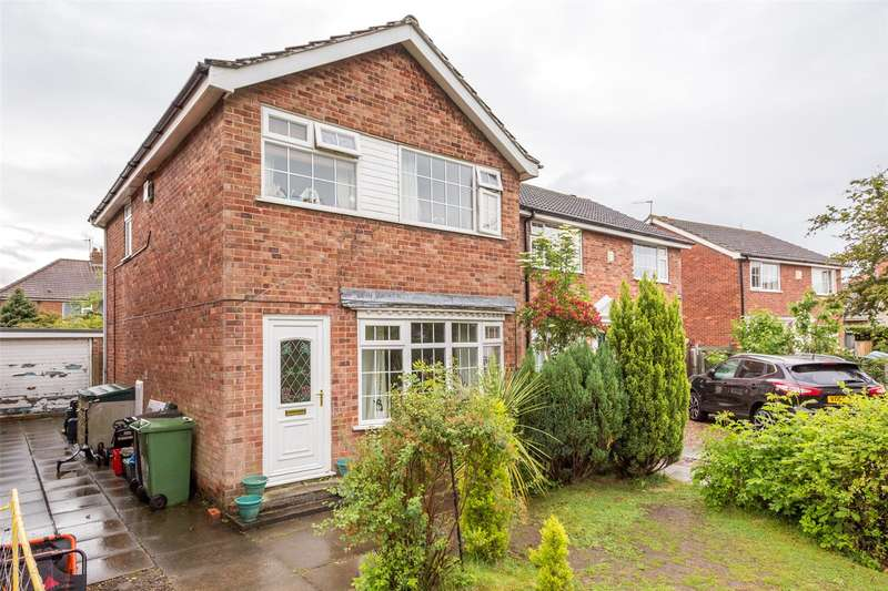 3 Bedrooms Detached House for sale in St. Marks Grove, York, YO30