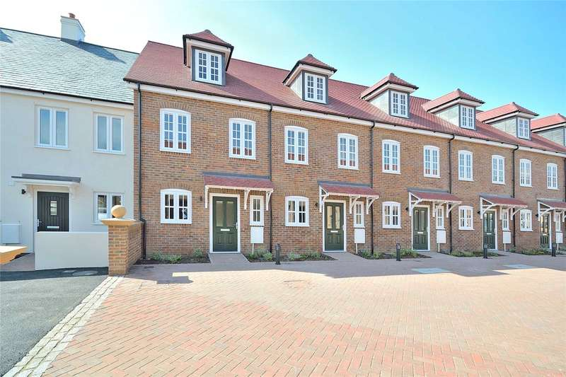 3 Bedrooms Terraced House for sale in Ollivers Chase, Goring Road, Goring By Sea, BN12