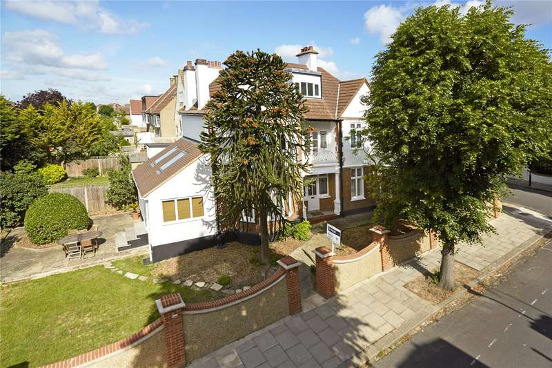 5 Bedrooms Detached House for sale in Mortimer Road, Ealing, W13