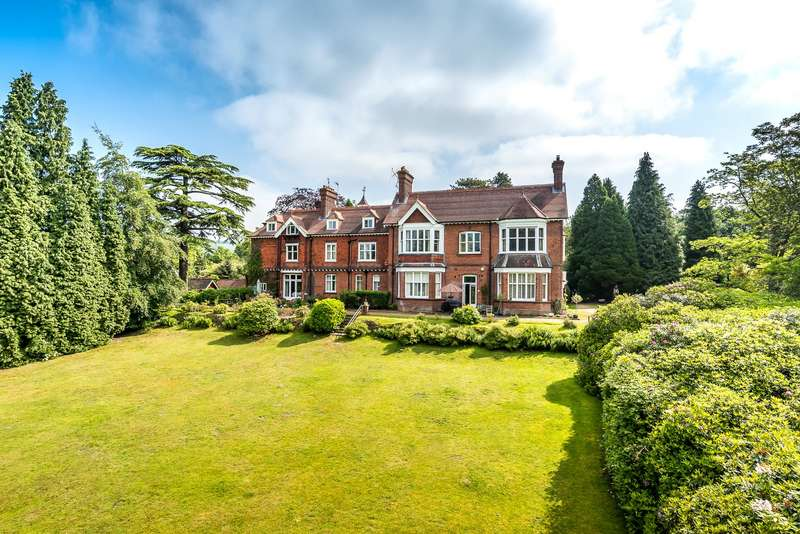 2 Bedrooms Apartment Flat for sale in Shagbrook, Reigate Road, Reigate, Surrey, RH2