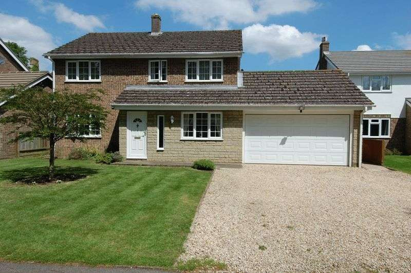 4 Bedrooms Property for sale in Greystones Court, Kidlington