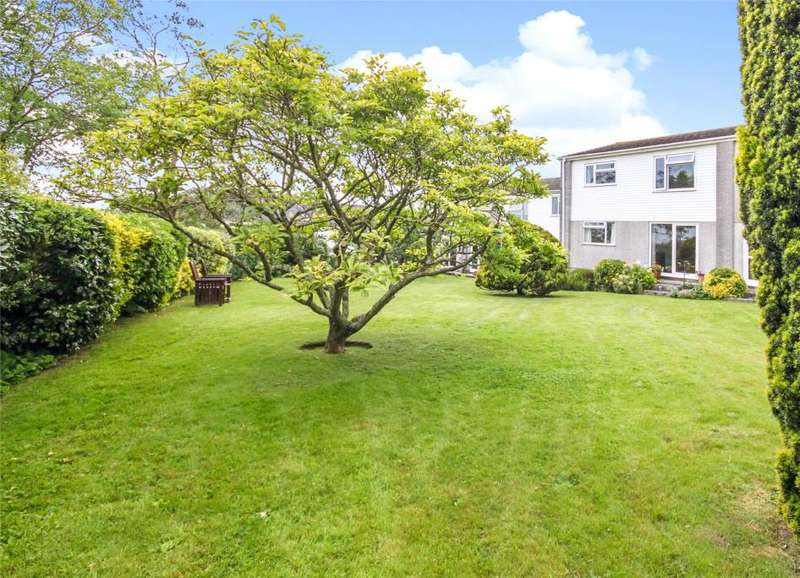 2 Bedrooms Flat for sale in Penmere Court, Falmouth