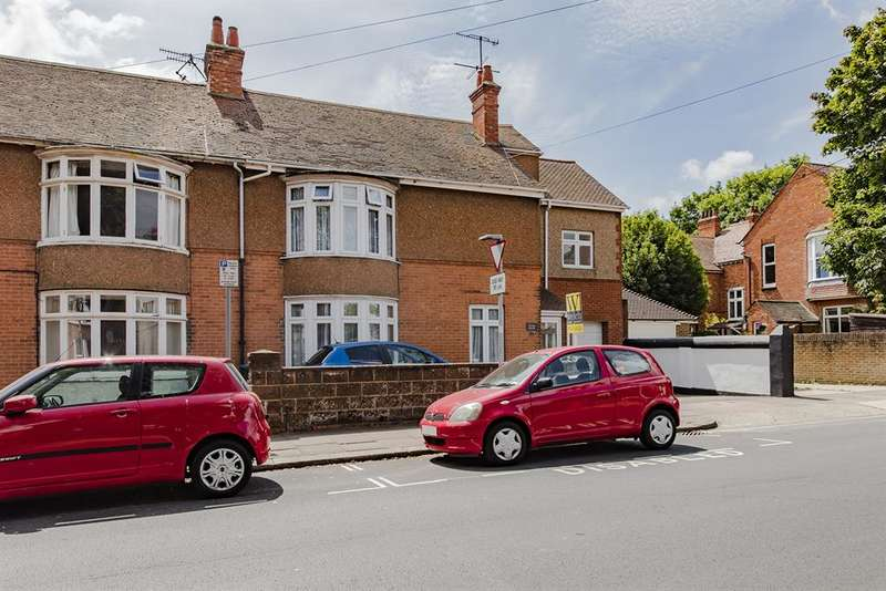 4 Bedrooms Semi Detached House for sale in King Edward Avenue , Worthing , West Sussex , BN14 8DD