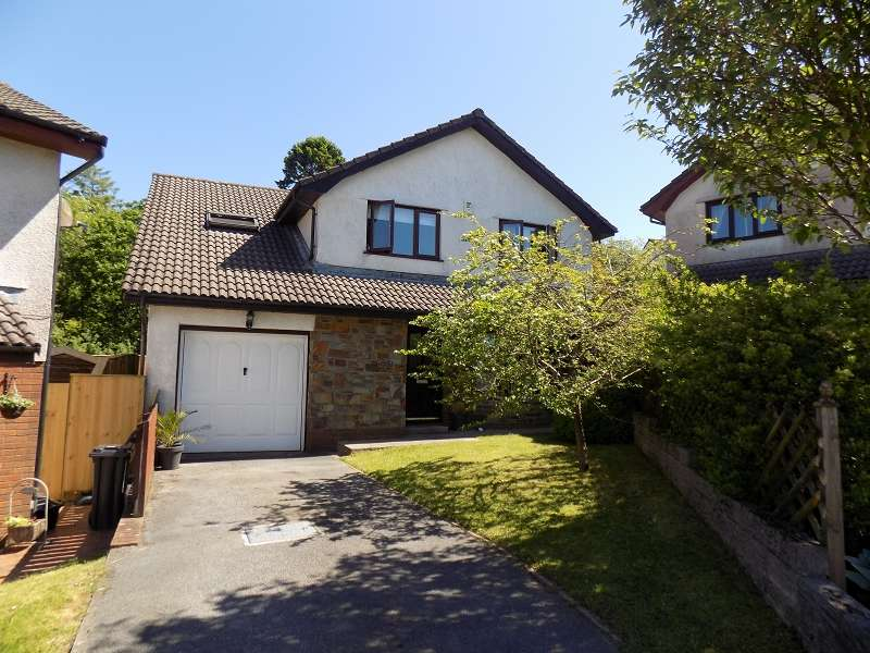 4 Bedrooms Detached House for sale in The Meadows , Cimla, Neath, Neath Port Talbot. SA11
