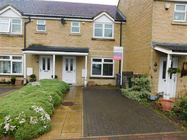 3 Bedrooms Town House for sale in The Plantations, Low Moor, Bradford