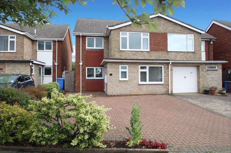 3 Bedrooms Semi Detached House for sale in Defoe Road, Ipswich