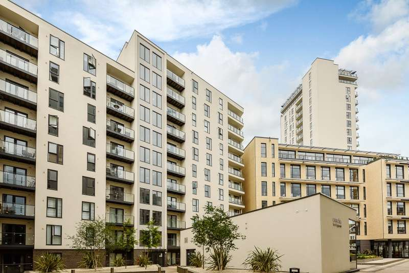 2 Bedrooms Flat for sale in Woking