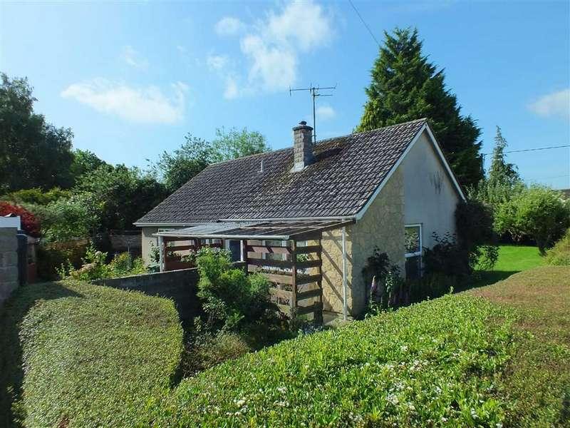 3 Bedrooms Property for sale in Newleaze Park, Broughton Gifford, Melksham, Wiltshire, SN12
