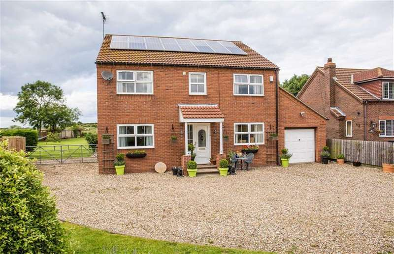 4 Bedrooms Detached House for sale in Church Lane, Atwick, Hornsea, East Yorkshire