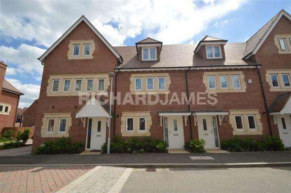 3 Bedrooms House for sale in Guardhouse Way, Millbrook Park, London