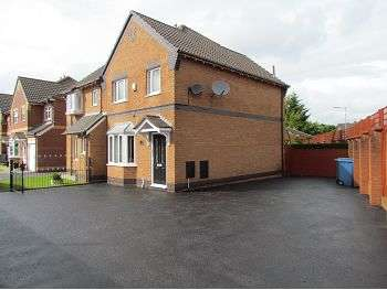 3 Bedrooms Semi Detached House for sale in Verwood Drive, Croxteth Park, Liverpool