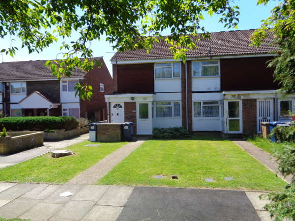 2 Bedrooms Maisonette Flat for sale in Wardell Close, Mill Hill, NW7