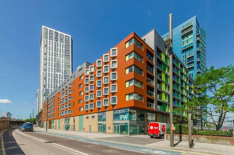 1 Bedroom Flat for sale in John Wetherby Court, Stratford, E15