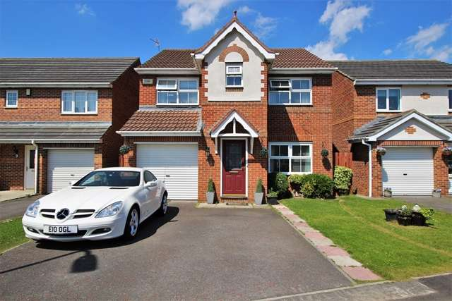 4 Bedrooms Detached House for sale in Melrose Drive Hartburn TS18 3UE