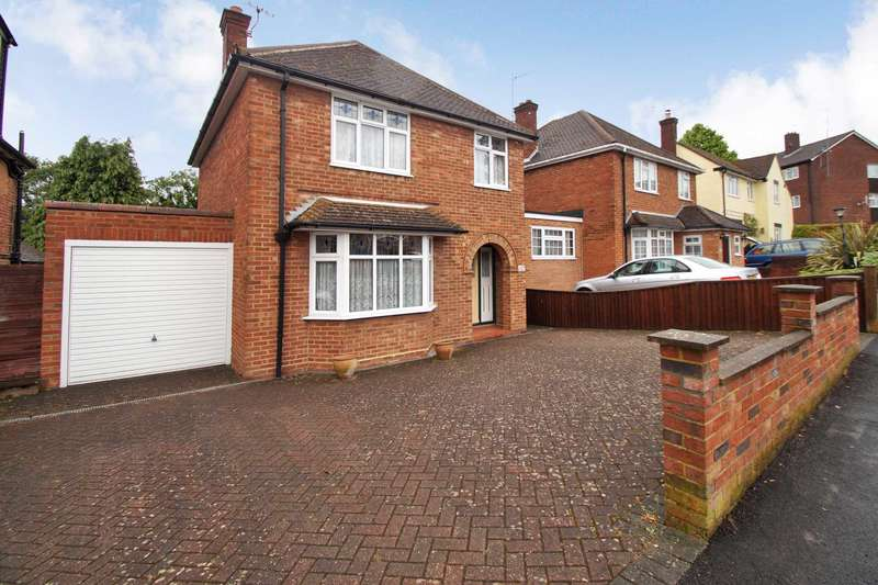 4 Bedrooms Detached House for sale in Belmont Road, Hemel Hempstead, Herts