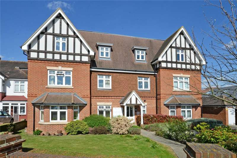 2 Bedrooms Flat for sale in Churchlands Way, Worcester Park, KT4