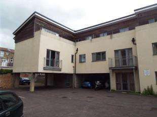 1 Bedroom Flat for sale in Sea Court, The Passage, Margate, Kent