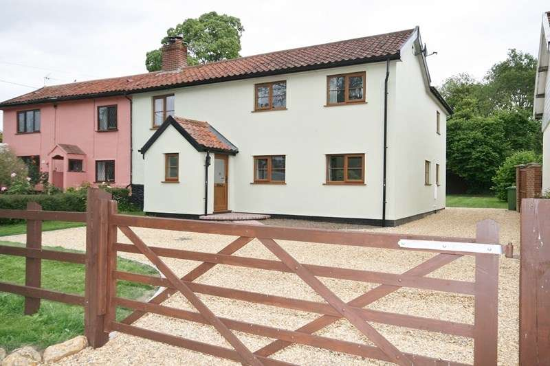 4 Bedrooms Semi Detached House for sale in Long Street, Great Ellingham, Attleborough