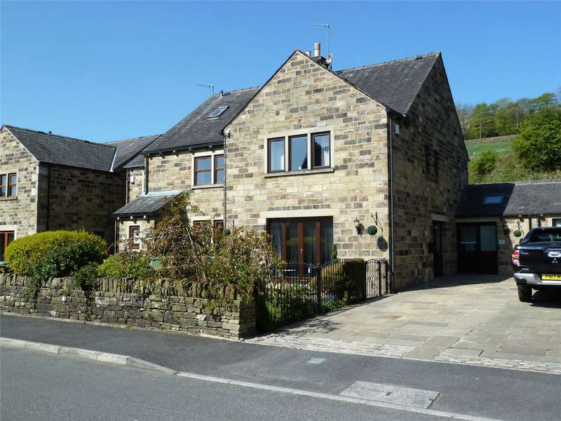 3 Bedrooms Semi Detached House for sale in Corbett Way, Denshaw, Saddleworth, OL3