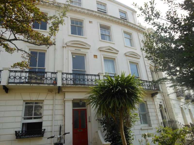 2 Bedrooms Apartment Flat for sale in Montpelier Crescent, Brighton