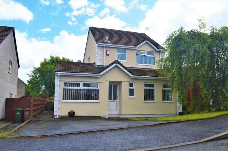 3 Bedrooms Detached House for sale in High Close, Nelson