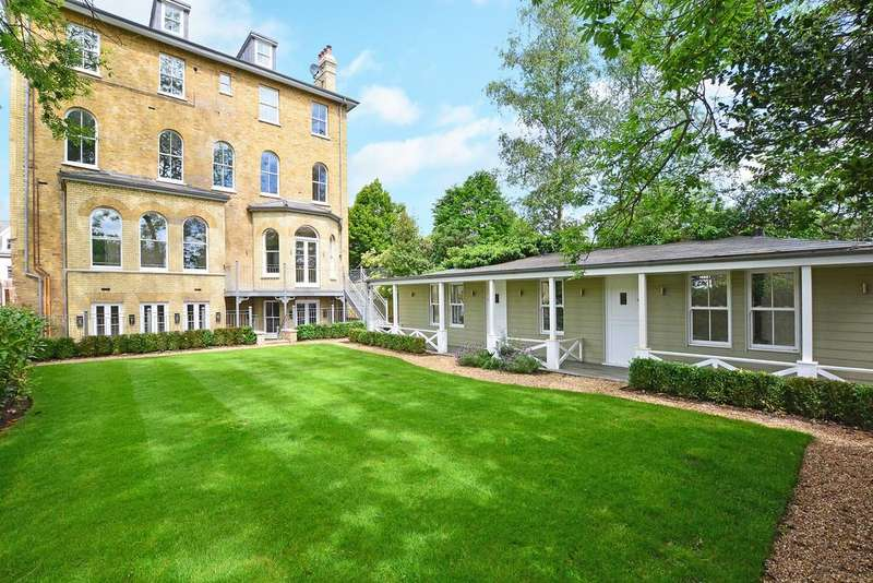 2 Bedrooms Apartment Flat for sale in The Green, Twickenham