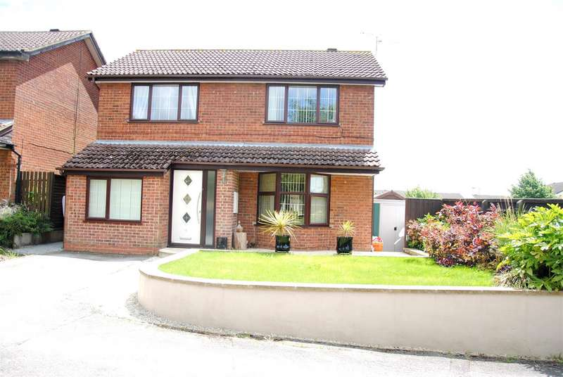 4 Bedrooms Property for sale in Langdale Drive, Freshbrook, Swindon
