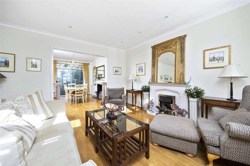 4 Bedrooms End Of Terrace House for sale in High Pine Close, Weybridge, Surrey, KT13