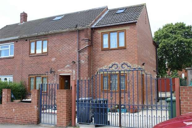 6 Bedrooms Semi Detached House for sale in Hyrstlands Road, Batley, West Yorkshire