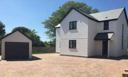 4 Bedrooms Detached House for sale in Park Drive, Bodmin, Cornwall