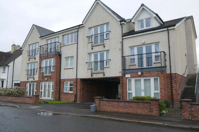 2 Bedrooms Flat for sale in St Ninians Road, Queens Court, Prestwick, KA9
