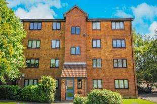 1 Bedroom Flat for sale in Meridian Court, Cumberland Place, Hither Green, London