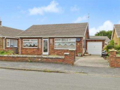 2 Bedrooms Bungalow for sale in Crown Avenue, Chapel St. Leonards, Skegness