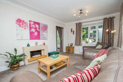 2 Bedrooms Mobile Home for sale in Badger Way, Knaresborough, ., North Yorkshire