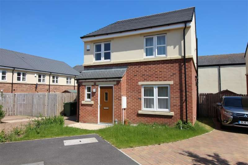 4 Bedrooms Detached House for sale in Littlemoor Close, Pudsey, Leeds, LS28