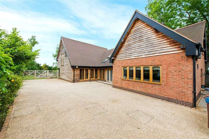 4 Bedrooms Detached House for sale in East End Farm, Moss Lane, Pinner, Middlesex, HA5