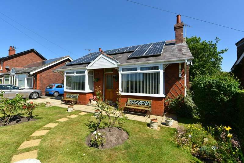 2 Bedrooms Detached Bungalow for sale in Blaguegate Lane, Lathom