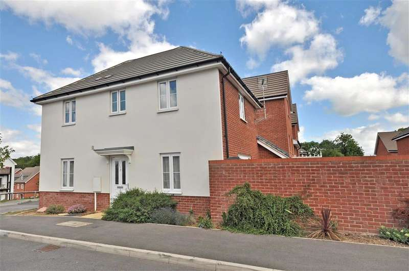 3 Bedrooms Link Detached House for sale in Talmead Road, Herne Bay, Kent