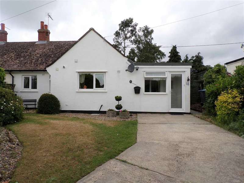 2 Bedrooms Bungalow for sale in Levington Lane, Bucklesham, Ipswich