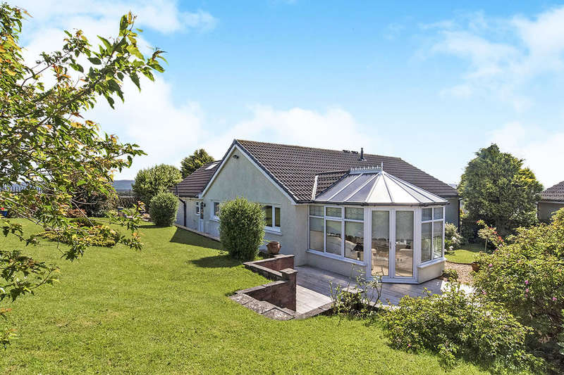 4 Bedrooms Detached Bungalow for sale in Thirlmere Close, Millom, LA18