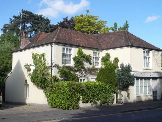 3 Bedrooms Detached House for sale in Henley-on-Thames, Oxfordshire