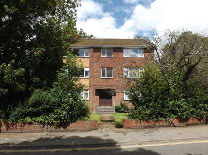 1 Bedroom Flat for sale in Southampton, Woolston, Hampshire