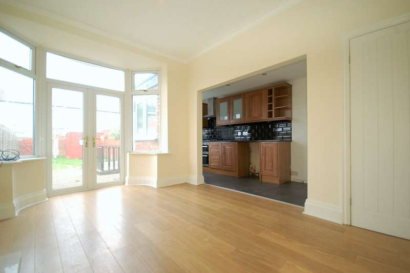 4 Bedrooms End Of Terrace House for sale in Silverwood Avenue, Blackpool