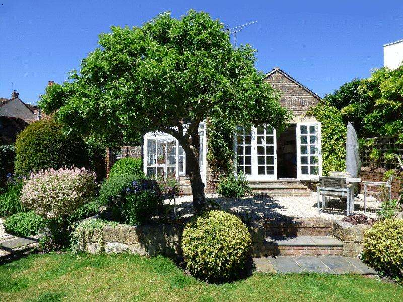 3 Bedrooms Detached House for sale in High Street, Cuckfield, West Sussex