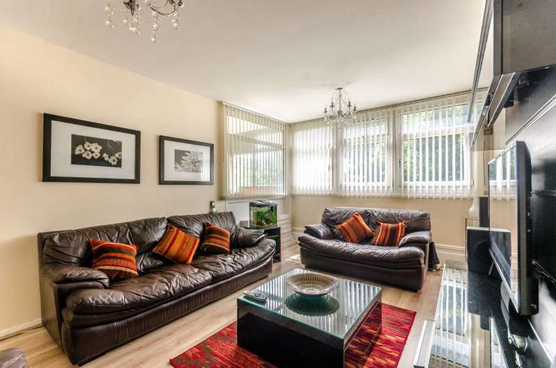 3 Bedrooms Maisonette Flat for sale in Cable Street, Shadwell, E1