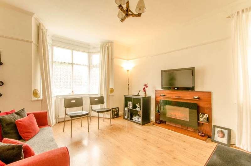 2 Bedrooms Flat for sale in Upper Park Road, Friern Barnet, N11