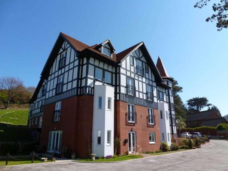 2 Bedrooms Ground Flat for sale in 4 Bryn Y Bia Heights, LLandudno, LL30 3BF