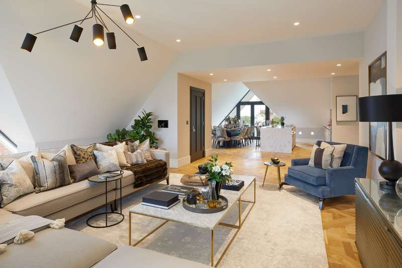 5 Bedrooms Flat for sale in Netherhall Gardens, Hampstead