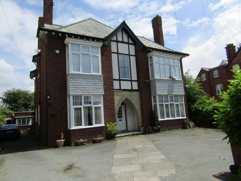 8 Bedrooms Detached House for sale in MORDA ROAD, OSWESTRY SY11